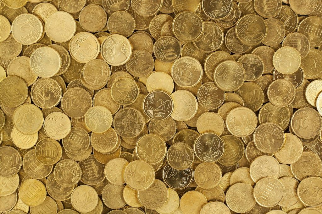 I prestiti 12000 euro si possono richiedere per svariate esigenze finanziarie. Ma per ottenerli servono solide garanzie di reddito