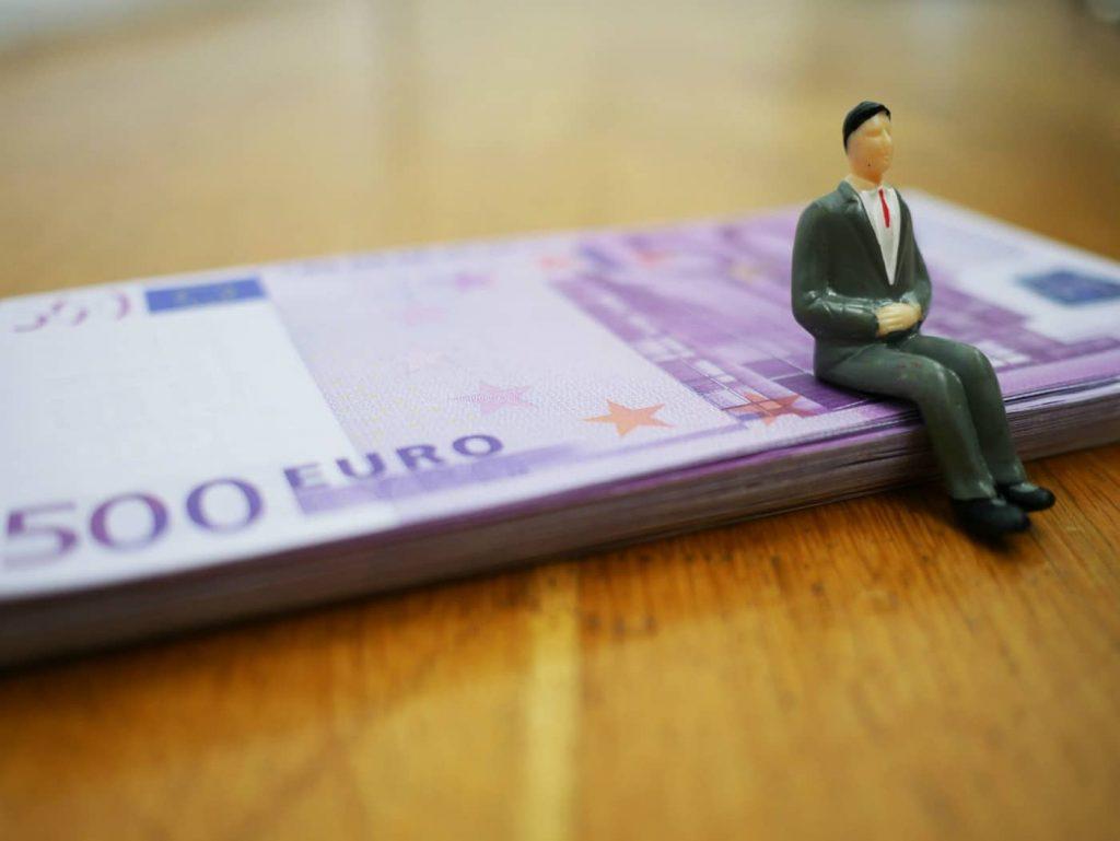 I prestiti 9000 euro sono prestiti personali molto richiesti per far fronte a diverse spese come l'acquisto di un automobile o nuovi mobili per la casa